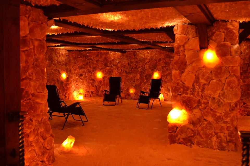 805 Boasts North America's Largest Himalayan Salt Cave